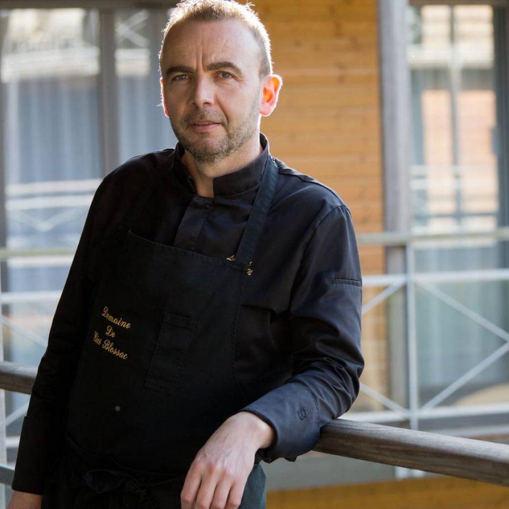 portrait de Laurent Morin Chef des cuisines du Domaine de Cicé-Blossac près de rennes.
